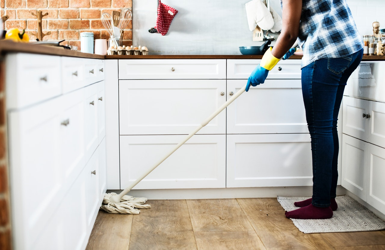 Top 5 ways to keep your home clean for a busy mom